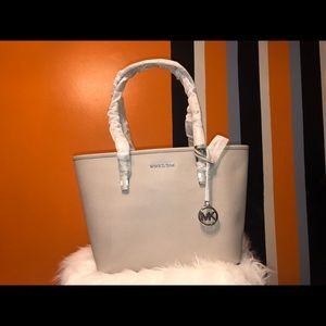 Micheal kors jet set cement travel tote